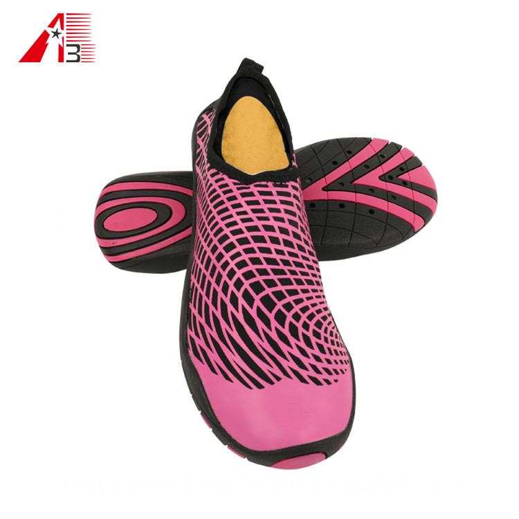 Outdoor Quick Drying Wholesale Water Shoes for Men