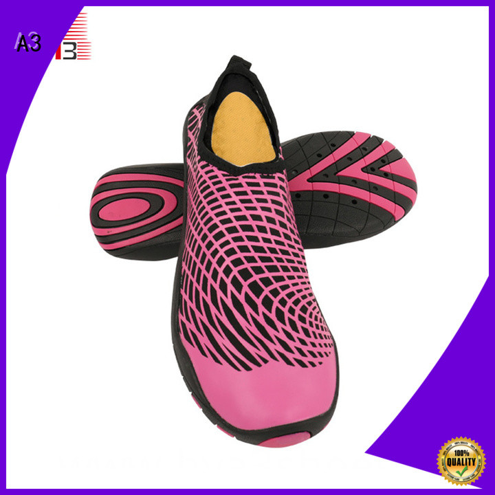 Economical best water shoes manufacturer for beach activities