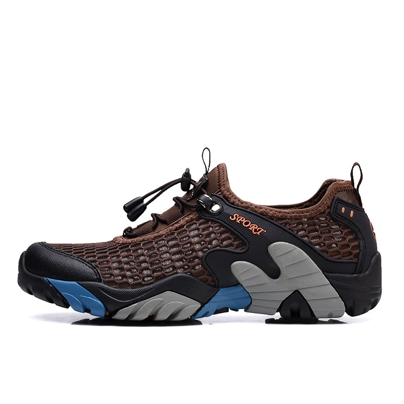 hiking shoes men 2021 from China
